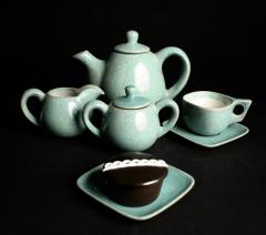 Glidden Matrix teapot set with Hostess cupcake