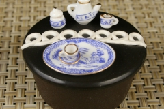 Miniature Blue Willow Chinese tea set with Hostess cupcake