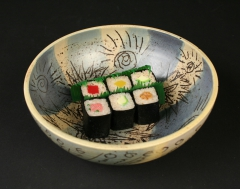 Herb Sanders bowl with sushi 2018.73