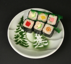 Tepco pottery with airbrush firs with sushi 2015.145