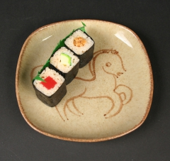 2018.96 Winfield Pottery with pony and with sushi
