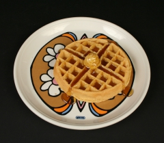 Peter Max Iroquois China Syracuse China butterfly plate with waffle